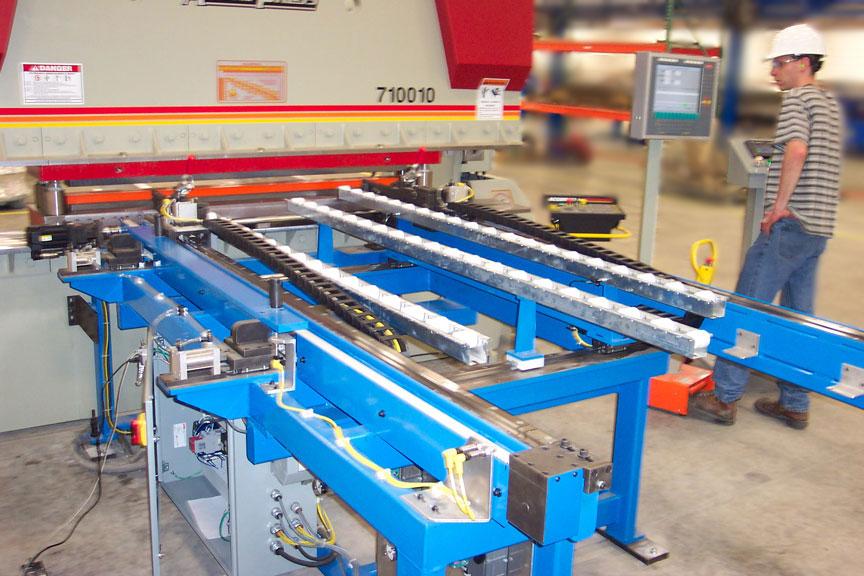Servo controlled panel positioner for brake press